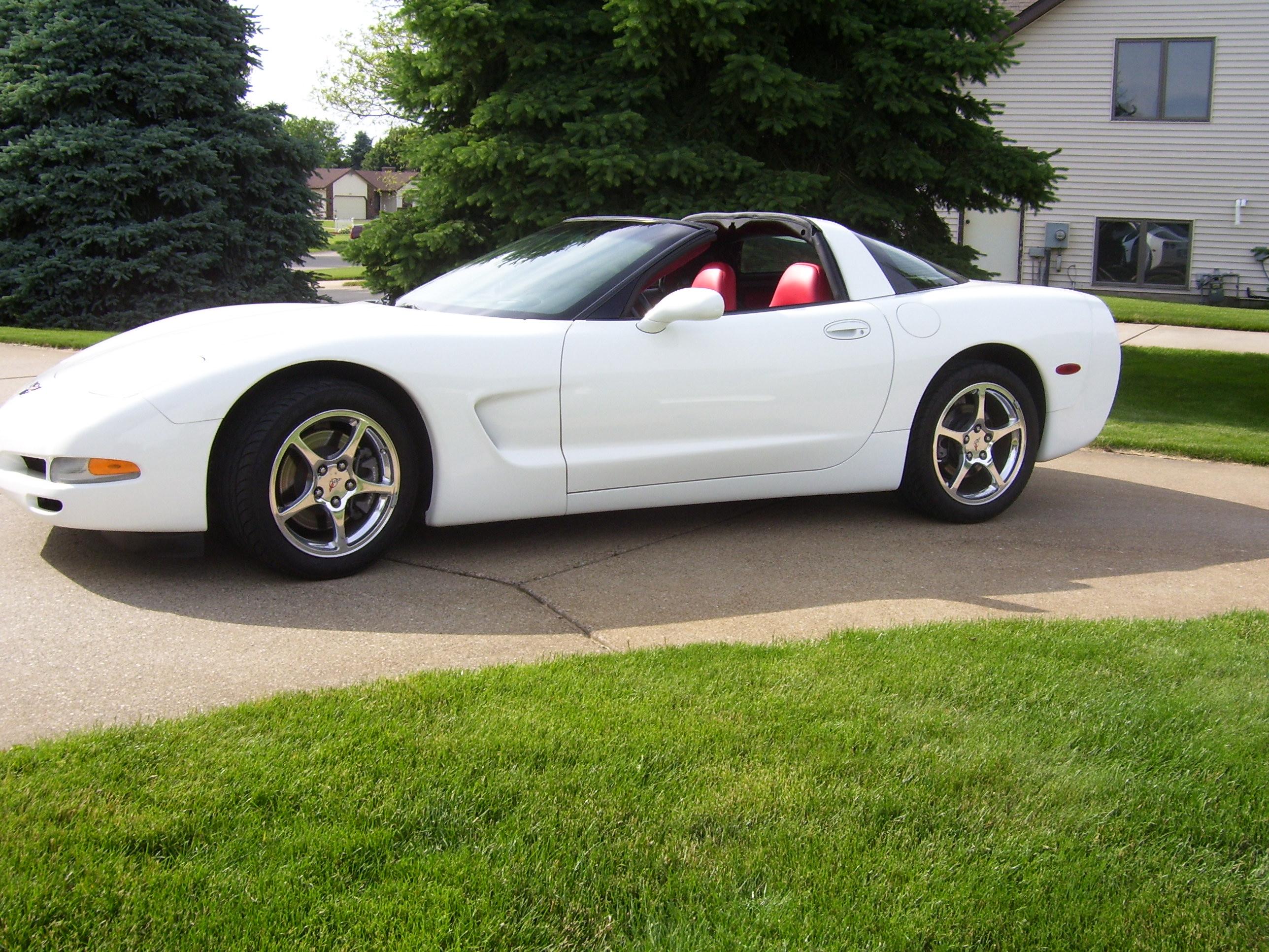 Name:  corvette 010.jpg Views: 43 Size:  1.25 MB