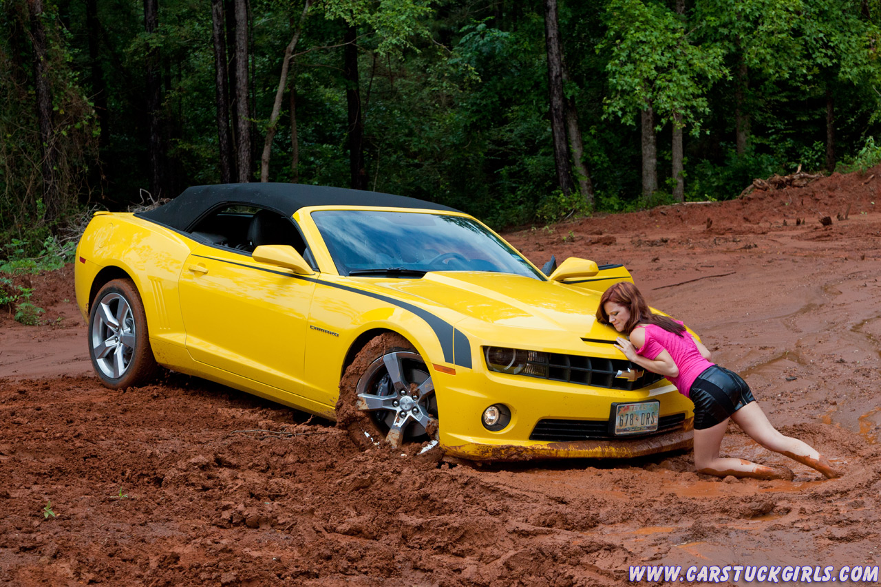 110000 ! ... 8623-anyone-running-your-c7-hard-girls_stuck_in_mud_with_camaro_ss_convertible_003