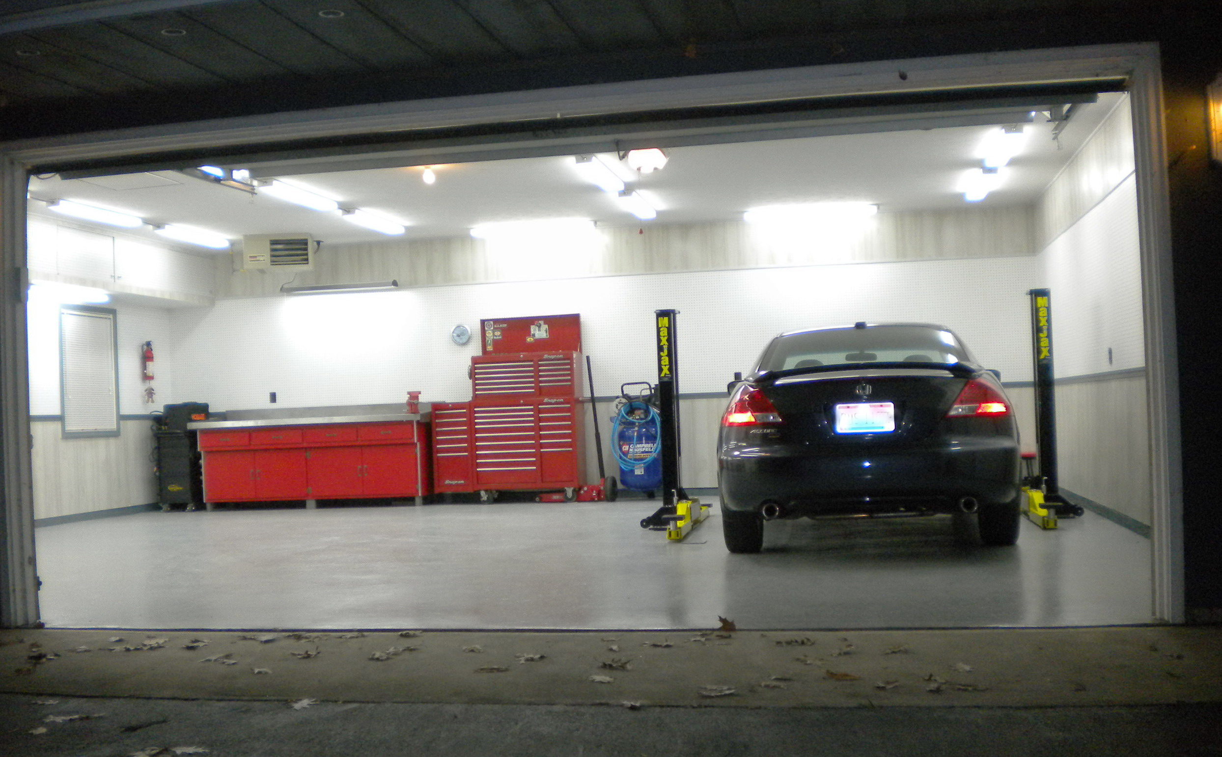 Cool garages designs affordable awesome design of the for Cool garage designs