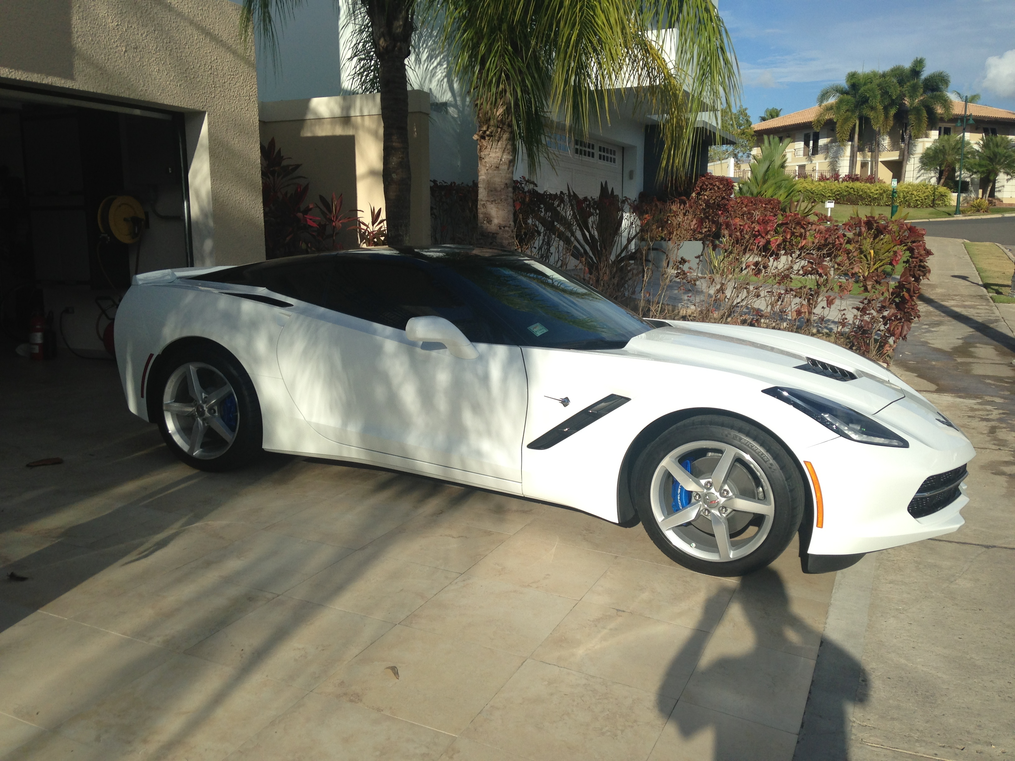 White C7 With Powder Coated Calipers Blue Color